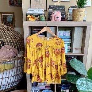 Old Navy Gold Floral Flutter Sleeve Blouse